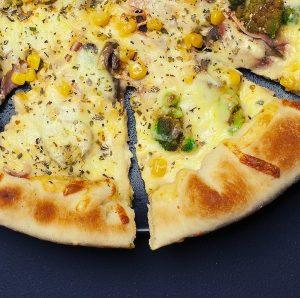 food-pizza-fast-food-large-600x596